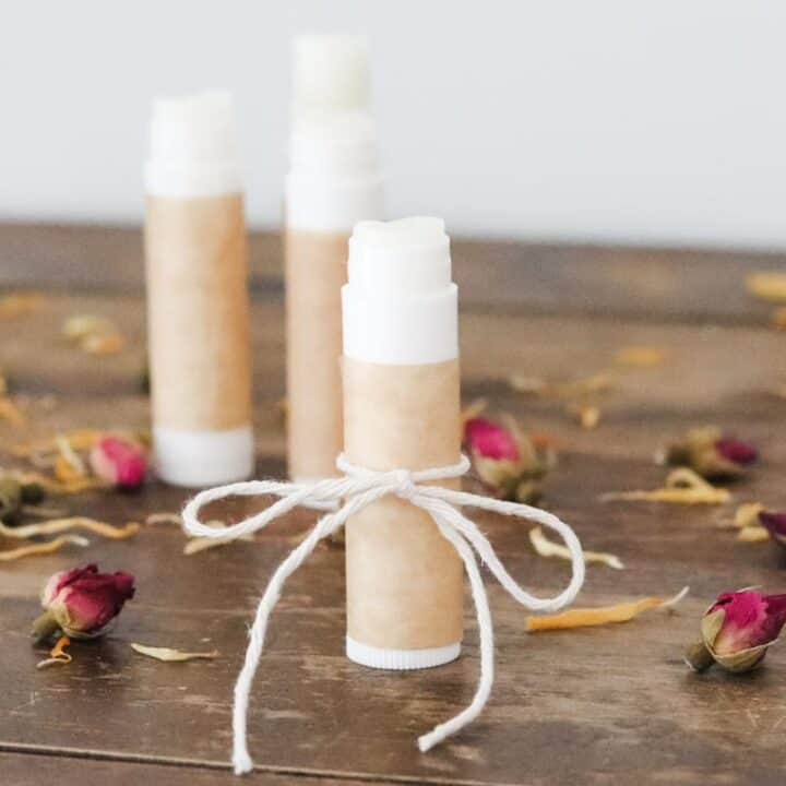 How to make DIY lip balm with essential oil